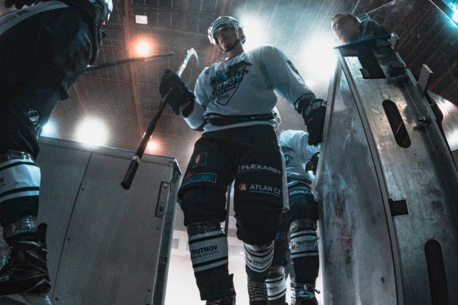Jääkiekkoilijat - VIestintätoimisto Aivelan viestintäprojekti Aisti Sport ry: näkövammaisten jääkiekkotapahtuma